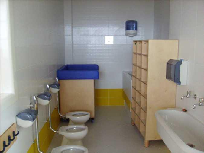 Scopata nei bagni della scuola - Scopata nel bagno della scuola ...