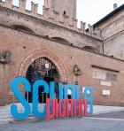 ingresso palazzo Re Enzo con scritta Scuola digitale