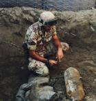 Militare accanto alla bomba al Pontelungo