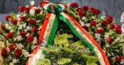 l Presidente della Repubblica Mattarella depone corona alla lapide stazione di Bologna