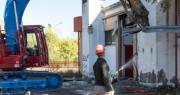 demolizione ex centro pasti via populonia bologna confondi pon metro