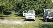 Operatori puliscono parco Lunetta Mariotti