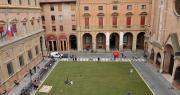 Piazza Rossini pedonale con prato verde