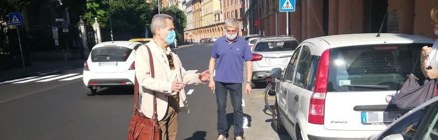 L'assessore Claudio Mazzanti in via Saragozza