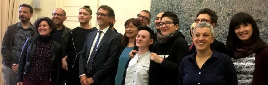 Foto di gruppo alla firma del Patto generale di collaborazione per la promozione e la tutela dei diritti delle persone e della comunità LGBTQI