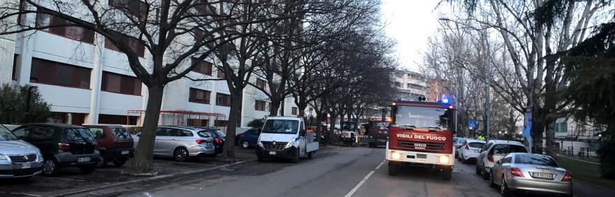 Camion Vigili del Fuoco in via Lorenzetti per fuga di gas