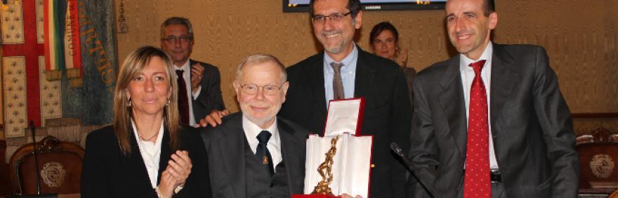 Giovanni Sedioli riceve il Nettuno d'Oro