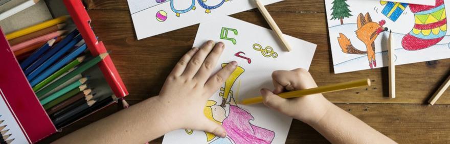 mani che disegnano per avanzo di bilancio ies 2018
