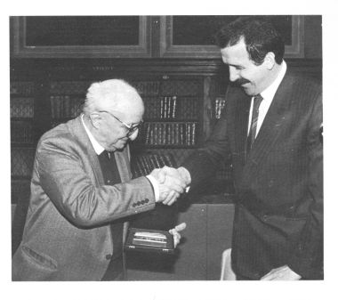 Consegna dell'Archiginnasio d'Oro a Luciano Anceschi, 15 novembre 1983.